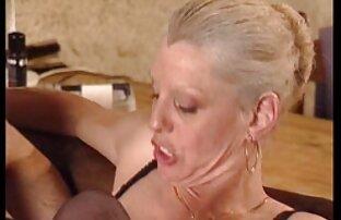 Babe with tattooed foot os melhores vídeos pornô nacional and pierced nipples fucked Angr